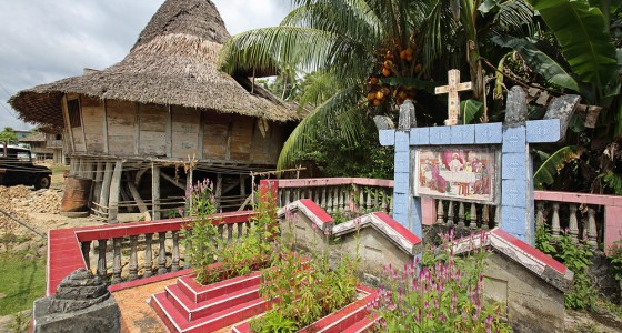 Many families in Nias have the graves of their ancestors in front of their houses.