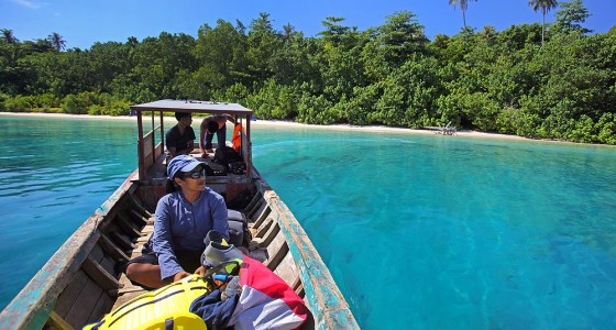 Boat trip to Panjang Island, off the north coast of Nias Utara.