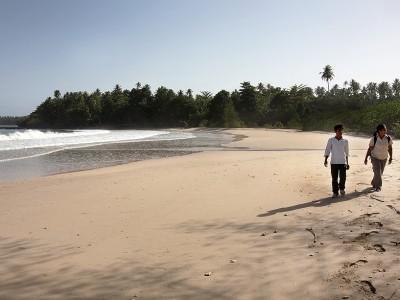 Sinali Beach, Sawo, North Nias (Nias Utara).