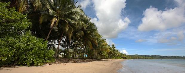 Tanayae Beach, Tuhemberua, Nias Utara.