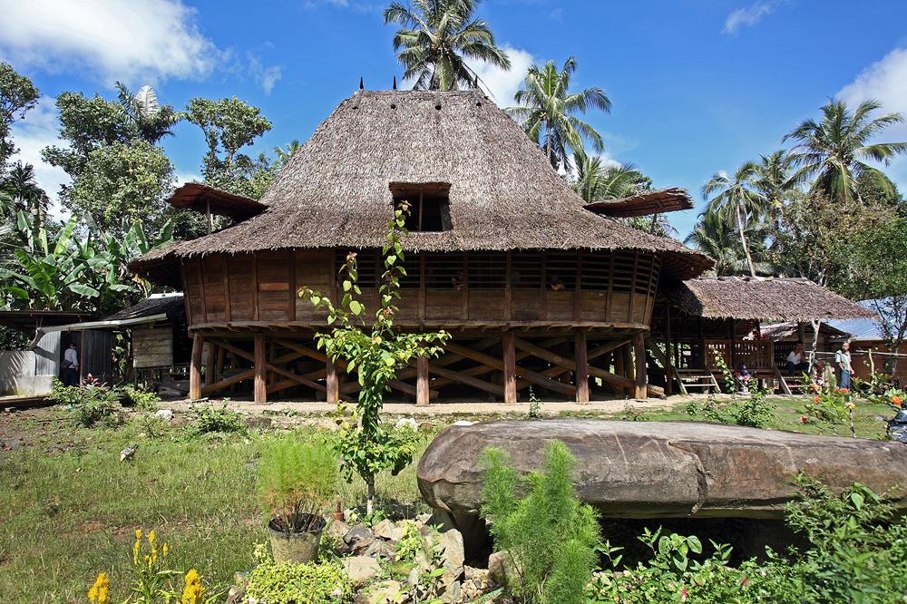 Te'olo traditional house, Tugala Oyo sub-district.