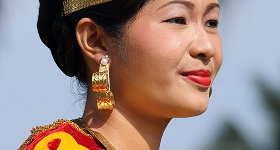 Traditional Nias dress and jewelry.