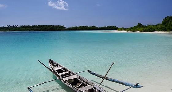 Perahu fishing boat in Wunga Island lagoon, off the west-coast of Nias Utara.